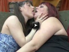 Mature NL Young babe fuck a chubby older lesbian