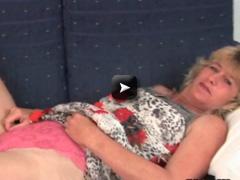 OlderWomanFun Granny mastrubing sex video